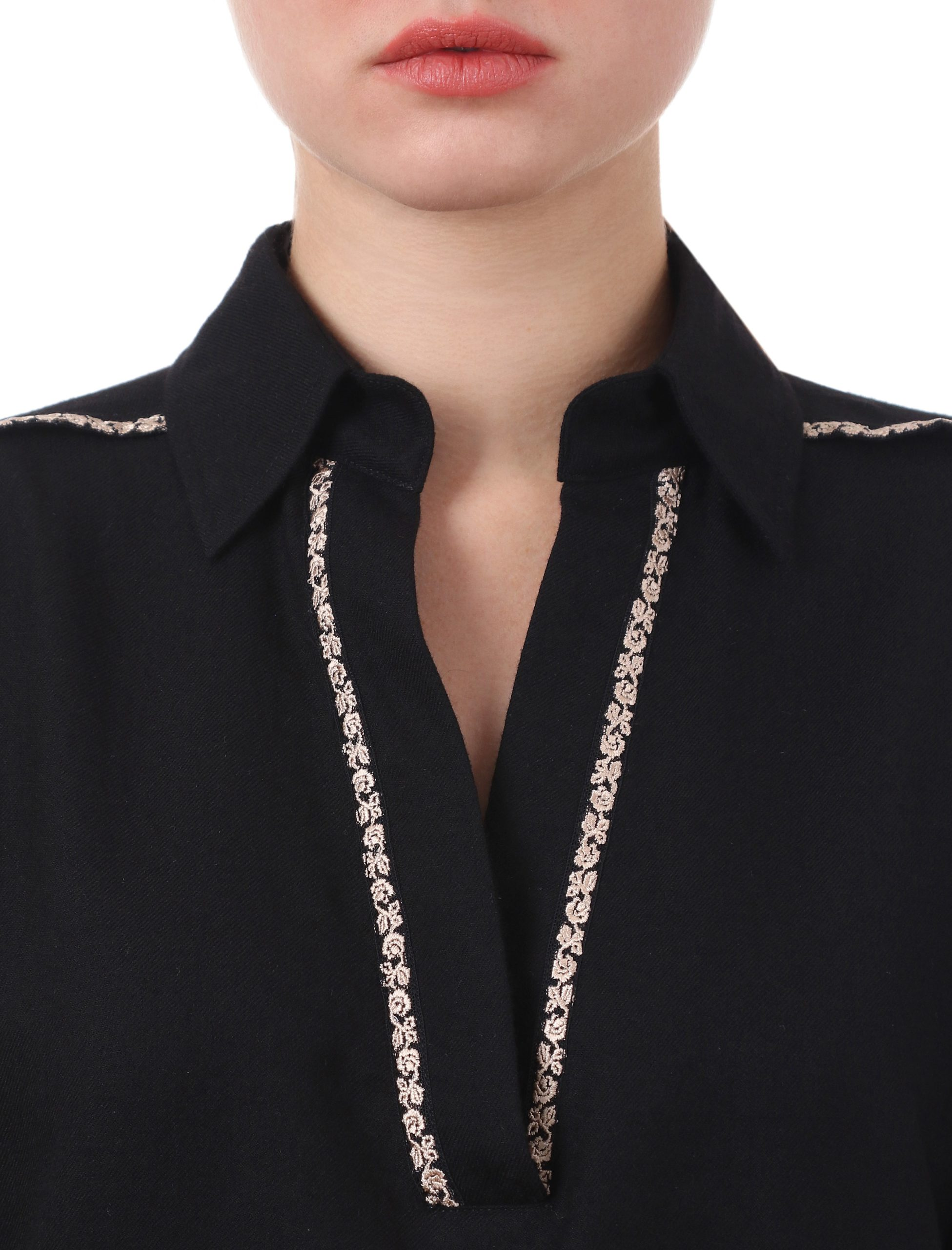 Блуза з вишивкою «Троянда»