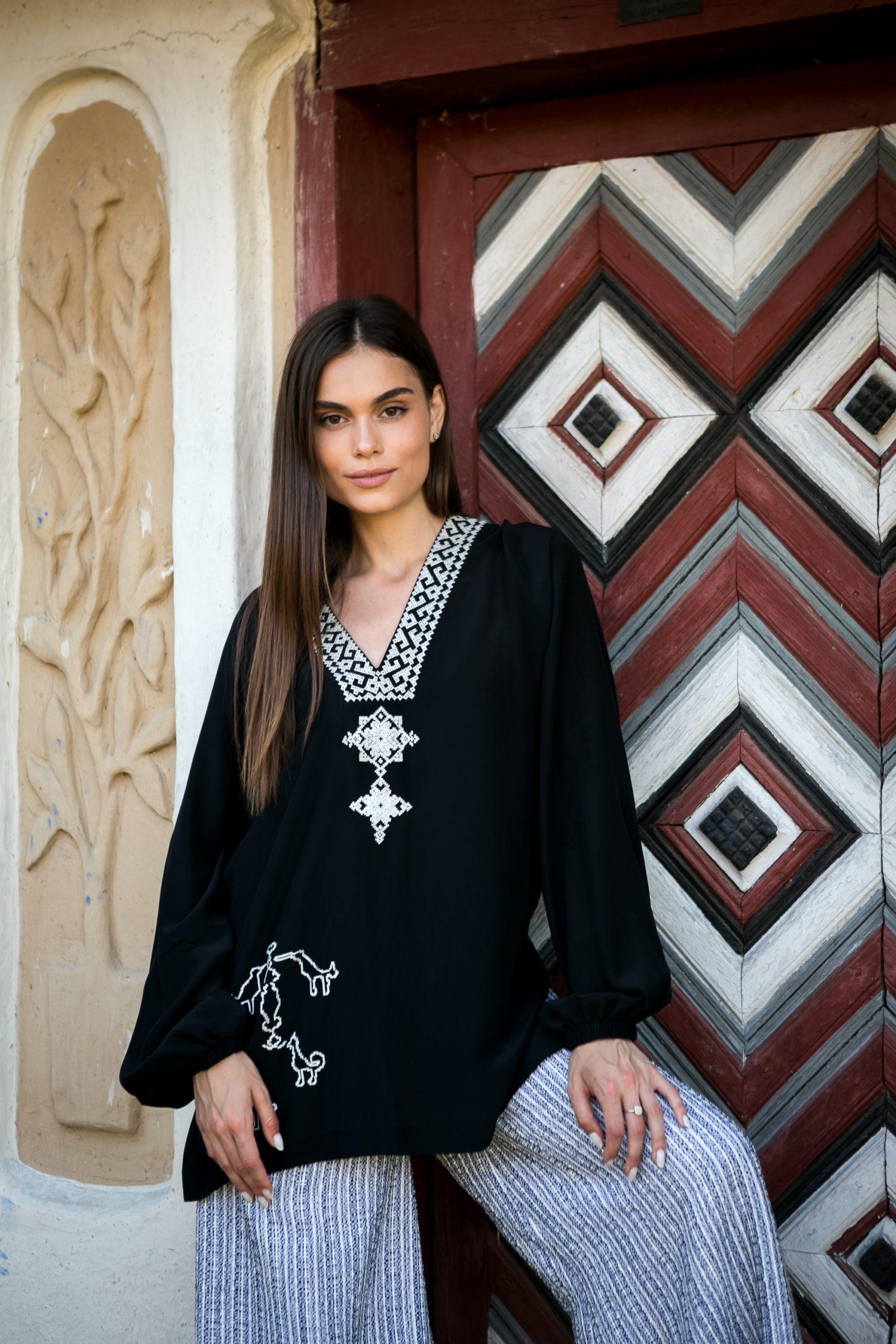 Блуза з вишивкою«Сарматський міф»