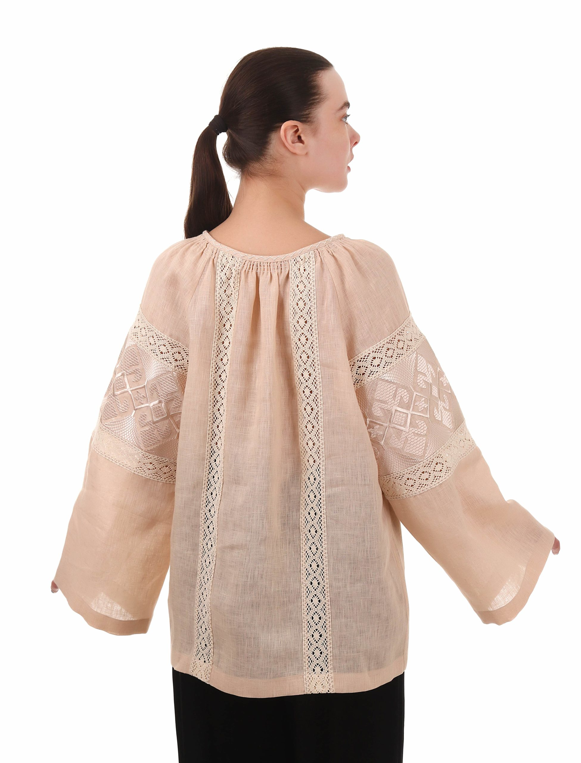 Powder blouse with embroidery